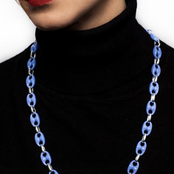 Txine Lila Necklace Model