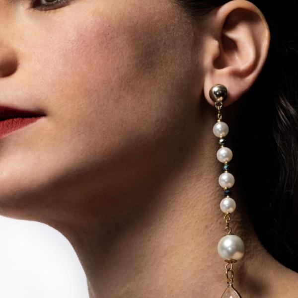 Rolly pearls Earrings Model